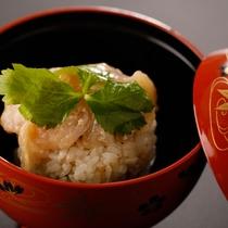 基本会席(鯛の煮つけ&浜ちゃん鍋は料理人のアイデアが満載!