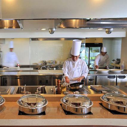 オールデイダイニングコラーロ オープンキッチン(イメージ)