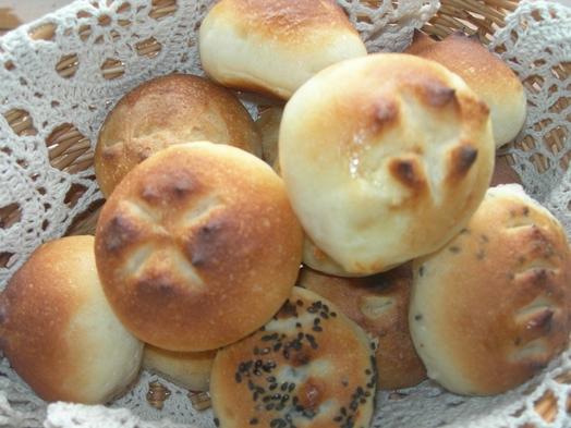 【1泊朝食】ふっかふか手作りパンとアメリカンタイプのプレート♪コーヒー・紅茶・ジュース・牛乳飲み放題