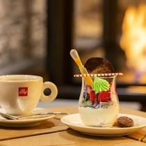 「アルパインブラッセリー」カフェ