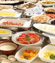 ■朝食:和洋50種のメニューが充実(イメージ)