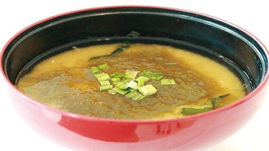 朝食バイキング:とろろ昆布入り味噌汁(富山の郷土メニュー)