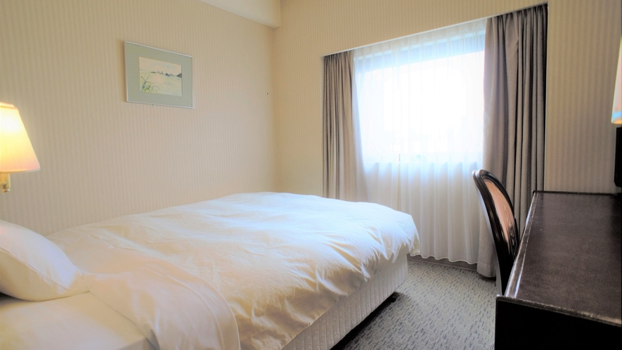 シングル/セミダブル/16.5平米&広々140cm幅ベッド