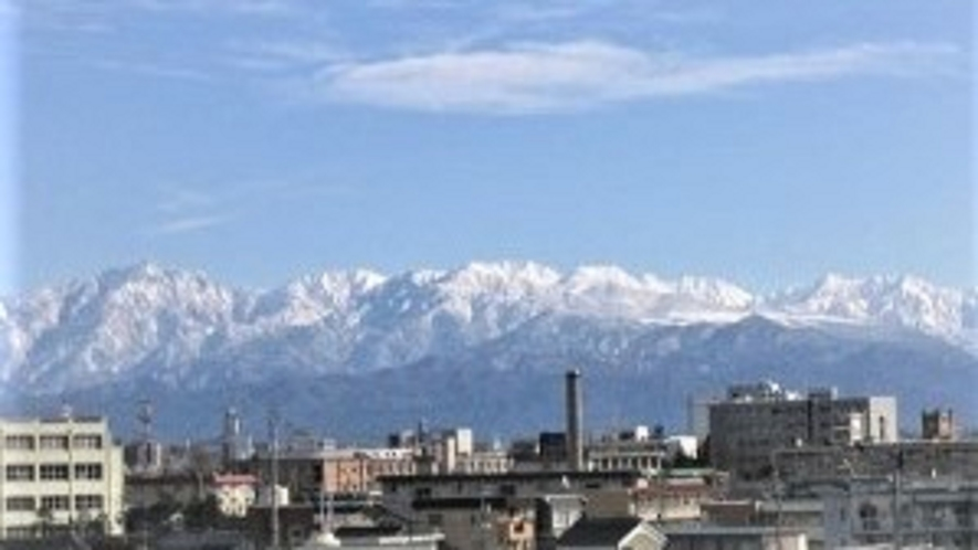 壮大な立山連峰