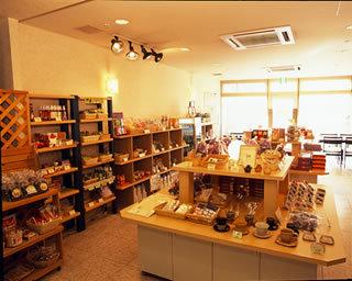 土産品・レンタル品・軽食のショップ