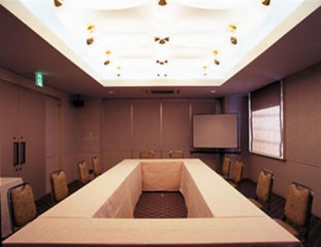 少人数でご利用できる小会議室