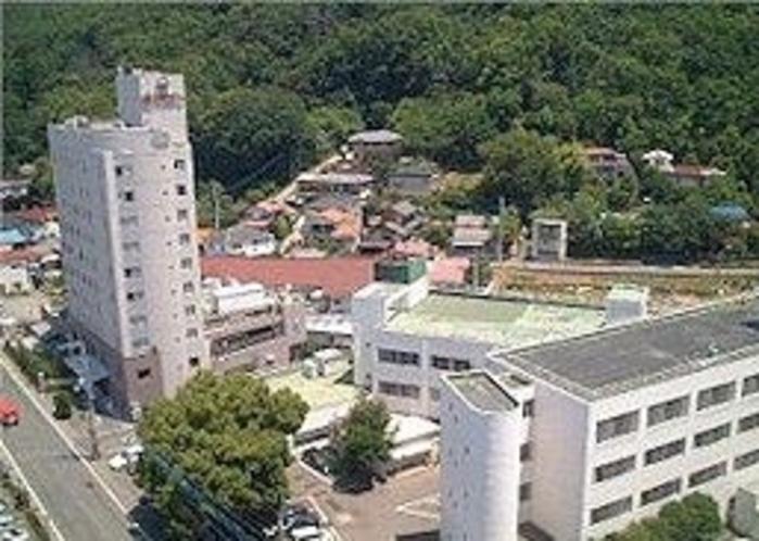 隣接する湯村温泉病院