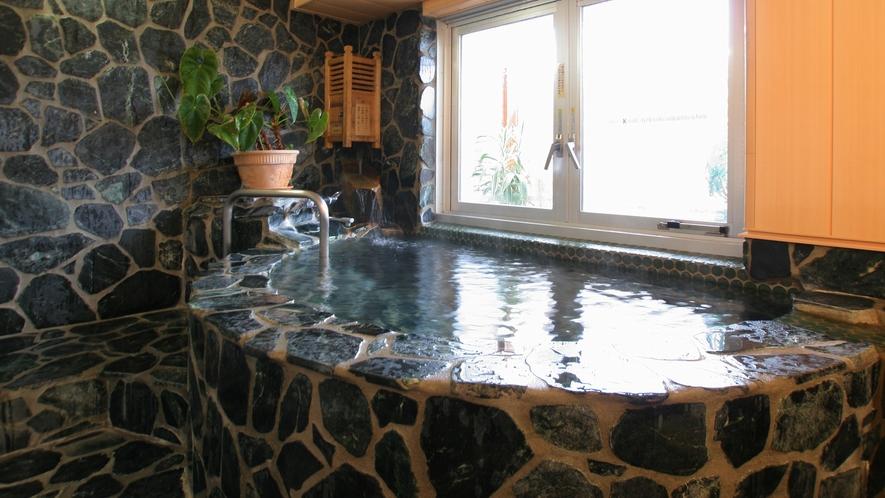 【温泉】翡翠の温泉貸切風呂