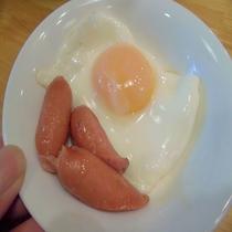 朝食(目玉焼き)
