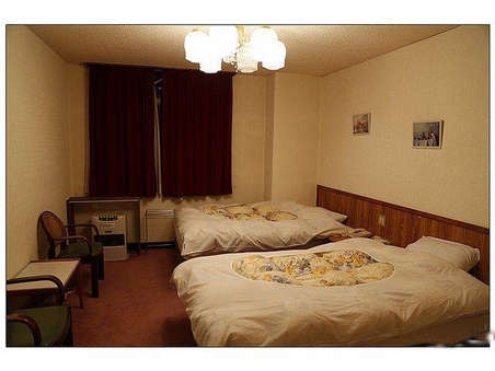 洋室(バス、トイレ、お風呂場付)