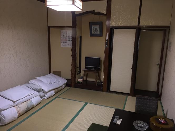 部屋一例 8畳間
