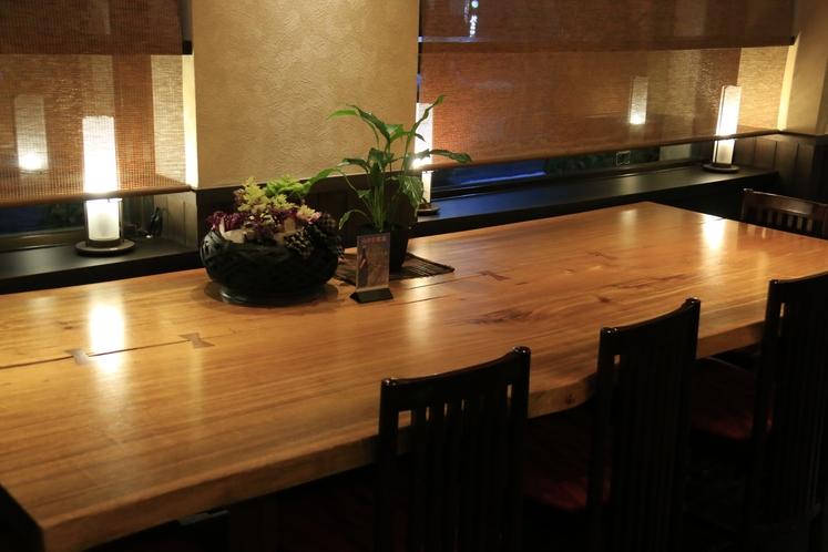 レストラン テーブル席