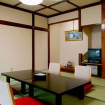 *本館和室一例/12.5畳、グループでも気軽にお泊まり頂ける快適な和室。