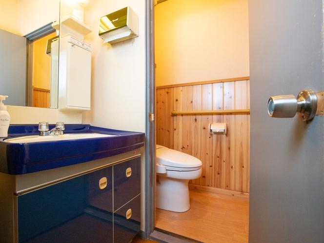 和室四人部屋 トイレ・洗面所