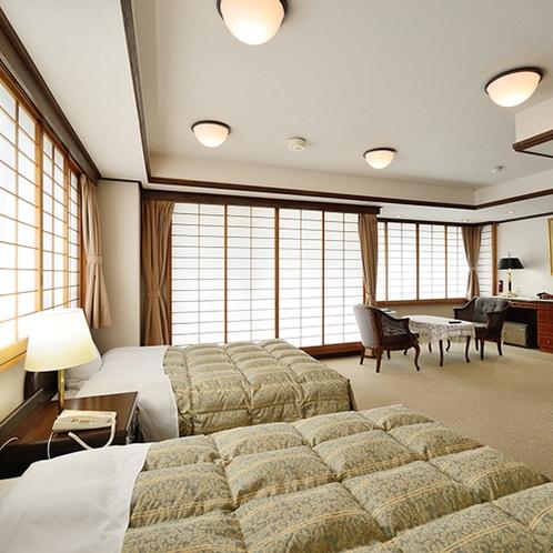 【最上階 特別室 100平米超】眺望がよく、花火大会シーズンにはお部屋から花火も楽しめます。