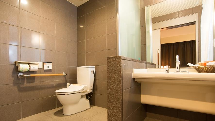 【1階/禁煙のみ】23平米/ツインルーム《洗面台・トイレ》