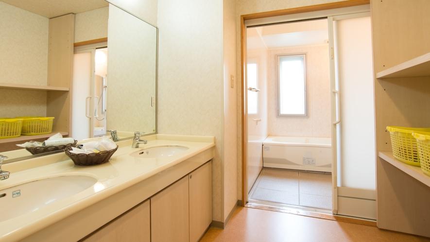 【1階/禁煙のみ】15畳和室《お風呂》