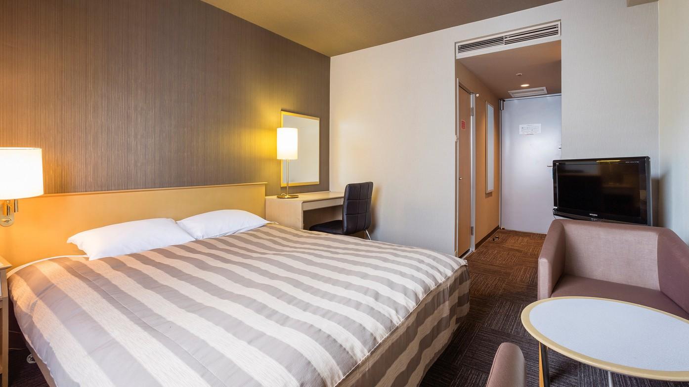 <ダブルルーム>Wi-Fi完備 17.5平米/ベッド幅160cm