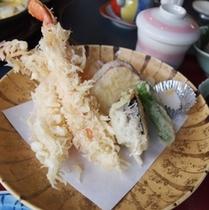 味舞ランチ一例<蟹の天婦羅>