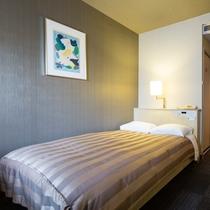 <セミダブルルーム>Wi-Fi完備 14.8平米/ベッド幅120cm