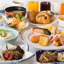 <朝食バイキング 盛り付け例>京都湯葉料理を含め、メニュー数約30品。ボリューム満点です。