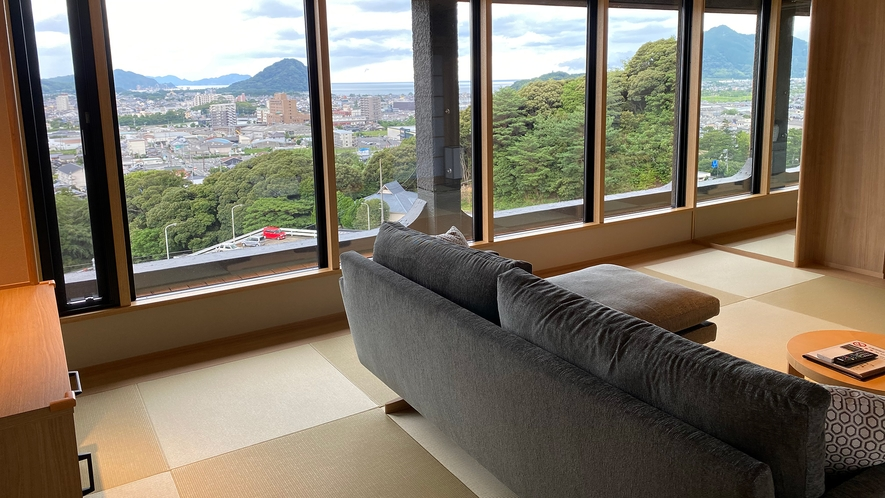 【特別室】最上階8階 展望風呂付和洋室