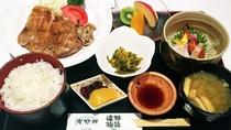 ◆日替わりパール定食(※夕食イメージ写真)