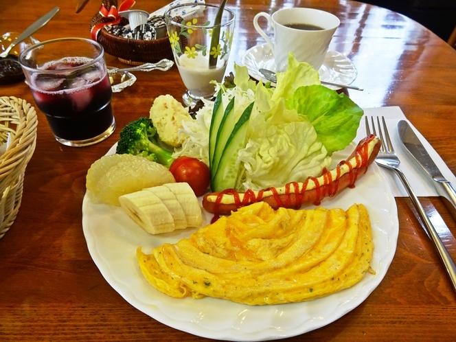 山三の朝食セットです。