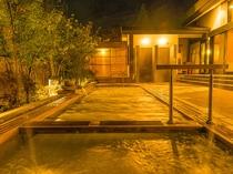 大浴場露天夜イメージ