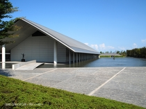 佐川美術館(雄山荘から車で約20分)