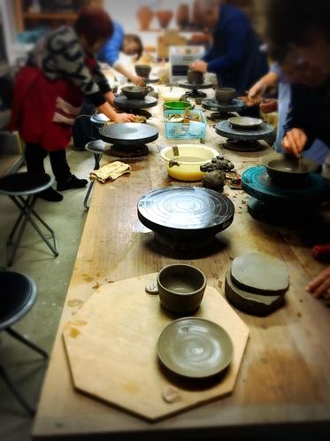 陶芸体験の様子