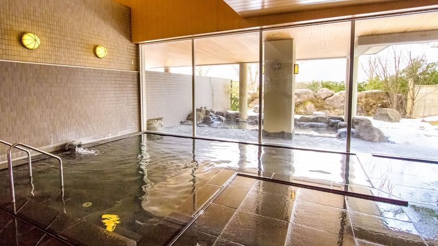 <桜ヶ池温泉・大浴場>広々と開放的な空間