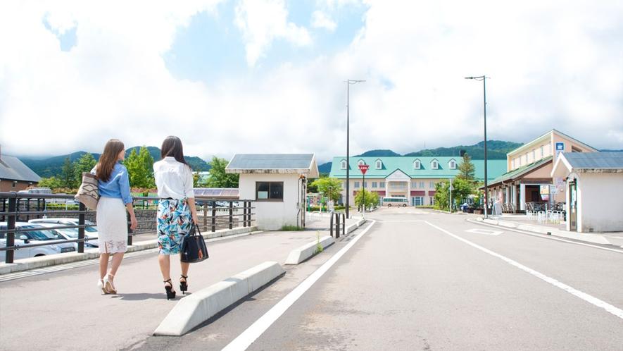 <高速降りずにそのままご来館>東海北陸道・城端サービスエリア駐車場から徒歩1分です♪
