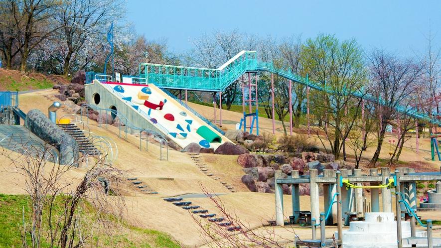 <桜ヶ池公園>無料で遊べる遊具が沢山ありファミリーに人気