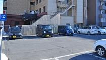 【駐車場】当日先着順で16台までご利用いただけます。