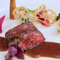 ディナー 肉料理イメージ