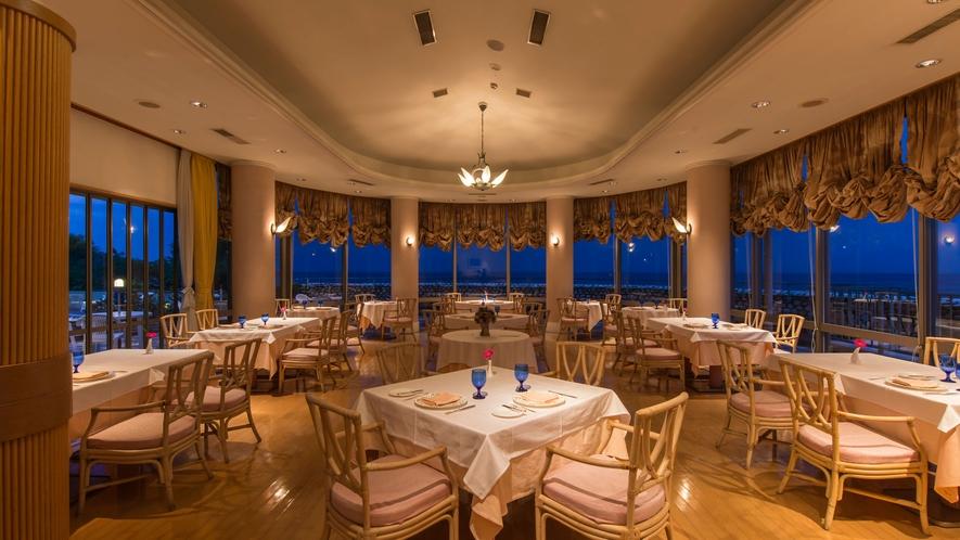 レストラン-Le-Phare(ル・ファール)にて、本格コースディナーをお楽しみください