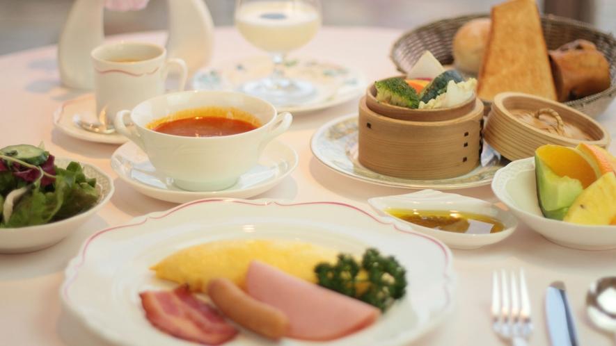 朝食は、和食または洋食よりお選びいただけます。