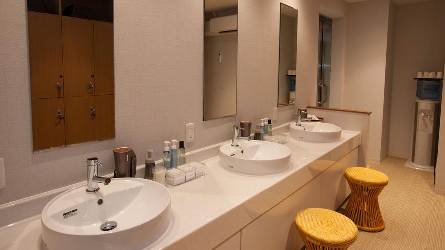 脱衣所~洗面スペース