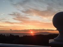 当館から眺める日の出(冬期)