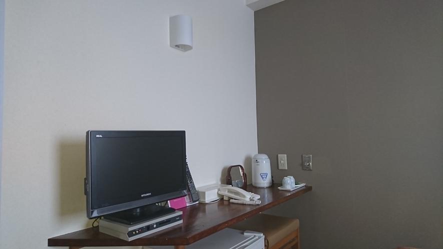 ・ツインルーム 24インチテレビ