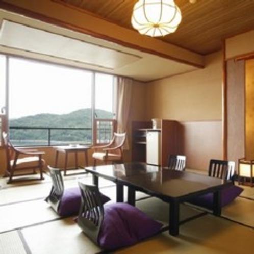 岬亭■一般客室 全室海側で民芸調の落ち着いた雰囲気が広がります。