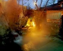 時間・季節によってかわる露天風呂