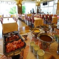 【朝食バイキング】お料理コーナー ※オススメの「気仙沼メカカレー」等、洋食もご用意しております