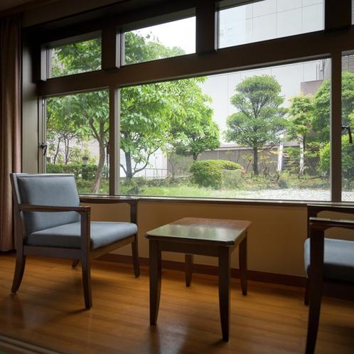 【客室】庭園が見わたせる和室