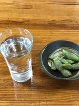 地酒と黒枝豆