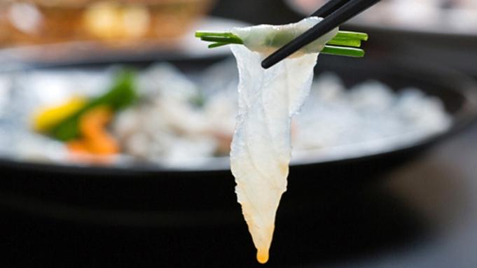 3年とらふぐ【てっさ(20枚)】【白子焼き(3貫)】 ふぐ2品付き 海鮮ビュッフェ