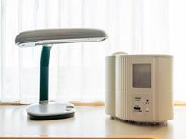 体調管理に便利な加湿器と勉強に集中したいときに必要なデスクライト