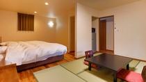 <新館ヒノキの露天風呂付き離れ>洋間1間。内湯、シャワートイレ、専用駐車場付き。