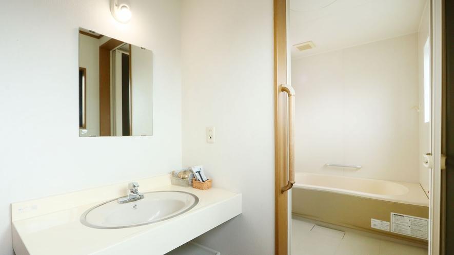 浴室-Unit Bath Room-★キーロックでプラバシー確保